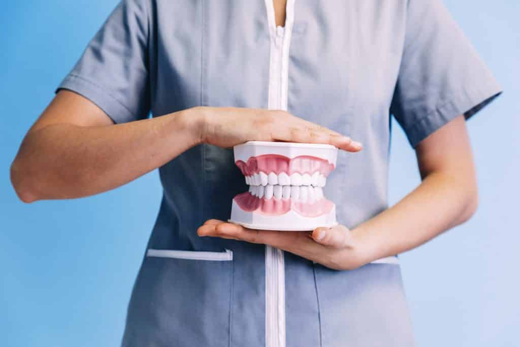 an explanation of overbite and underbite